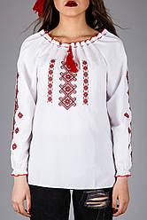 Женская вышитая блуза крестиком на белом хлопке с красным узором