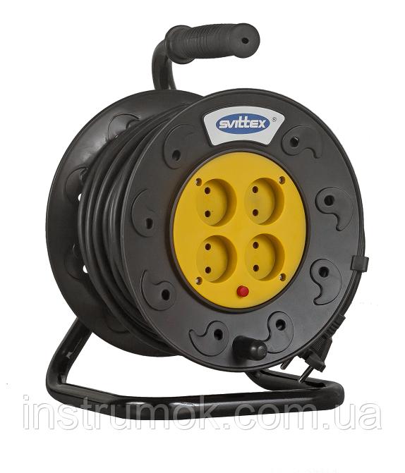 Удлинитель SVITTEX на катушке 50 м на 4 гнезда с сечением провода 2х1,5 мм², код SV-007