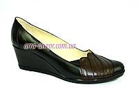 """Кожаные женские туфли с вставками из коричневой кожи на танкетке. ТМ """"Maestro"""", фото 1"""