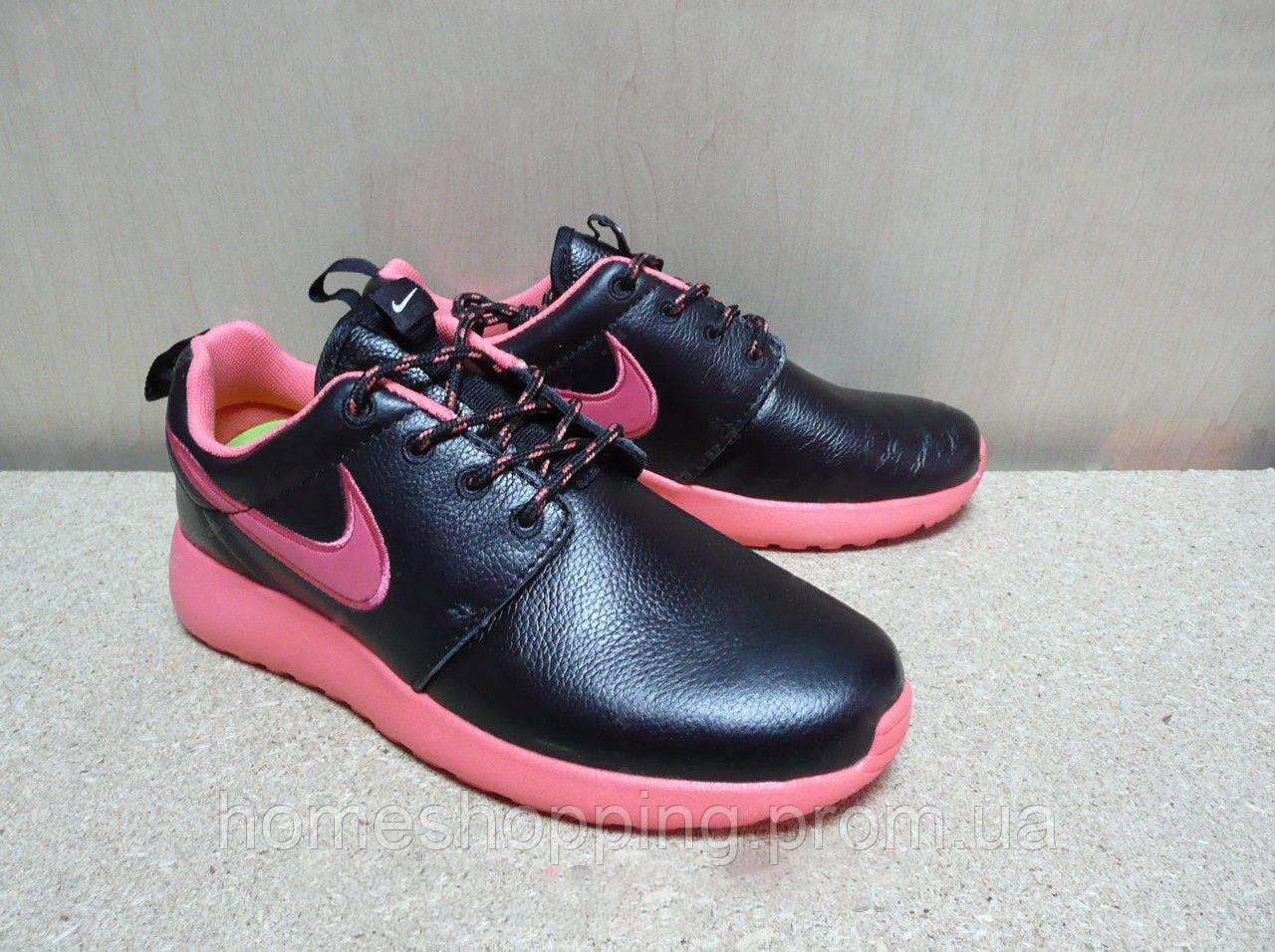 Женские кроссовки Nike Roshe Run кожа черно розовые