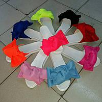 Женские шлепки с бантом в разных цветах.