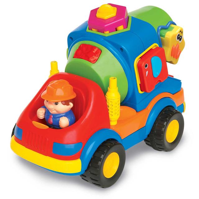 Игрушка – обязательный спутник детских игр.