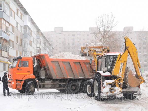 Послуги прибирання і вивезення снігу.