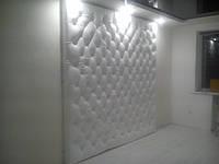 Пикировка мебели и стен пуговицами.