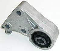 Кронштейн заднього крiплення двигуна Opel Combo 1,7 CDTI (2004-2011)