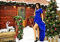 Однотонное женское платье красивого покроя