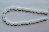 Бусина Овал плоский цвет белый 10*13 мм