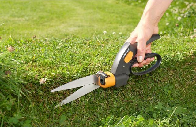 Ножницы для травы Fiskars GS42 (113680)