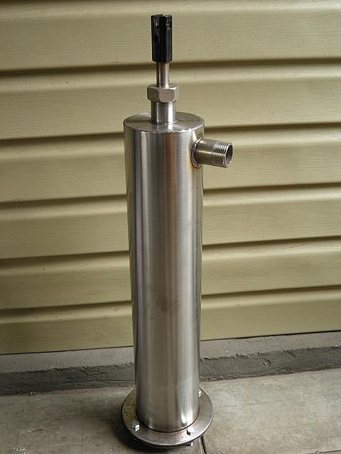 Ручной насос для скважины. Поршневой ручной насос (высота гильзы 400 мм, диаметр 89 мм), фото 1