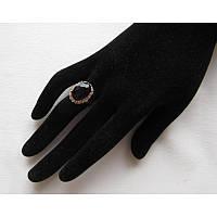 Кольцо с черным камнем в стразах безразмерное
