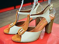 Босоножки женские кожаные на устойчивом каблуке VIOLA