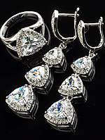Серьги праздничные и кольцо набор с белыми фианитами, триллион, покрытие родий Код: 024795 18р