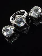 Комплект Фианит белый, огранка капля, кольцо и серьги, покрытие родий Код: 024835 18 размер кольца