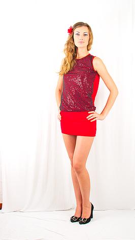 Яркое красное вечернее , клубное платье-мини с  открытой спинкой, украшенное сеткой с пайетками., фото 2