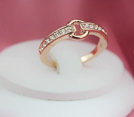 Кольцо ювелирная бижутерия золото 18К кристаллы Swarovski