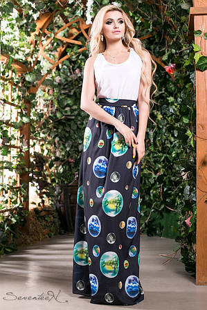 Оригинальное с красочными рисунками платье