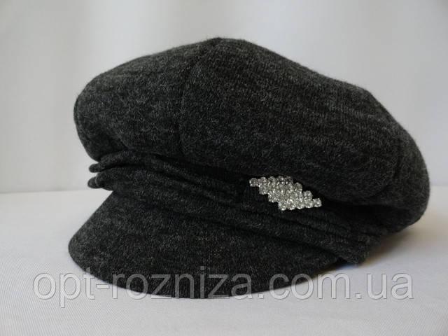 Недорогі жіночі шапки з дашком