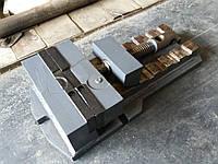 Тиски станочные токарные советские лекальные слесарные 200 210 стальные железные