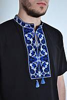 Мужская трикотажная вышиванка с синим орнаментом короткий рукав