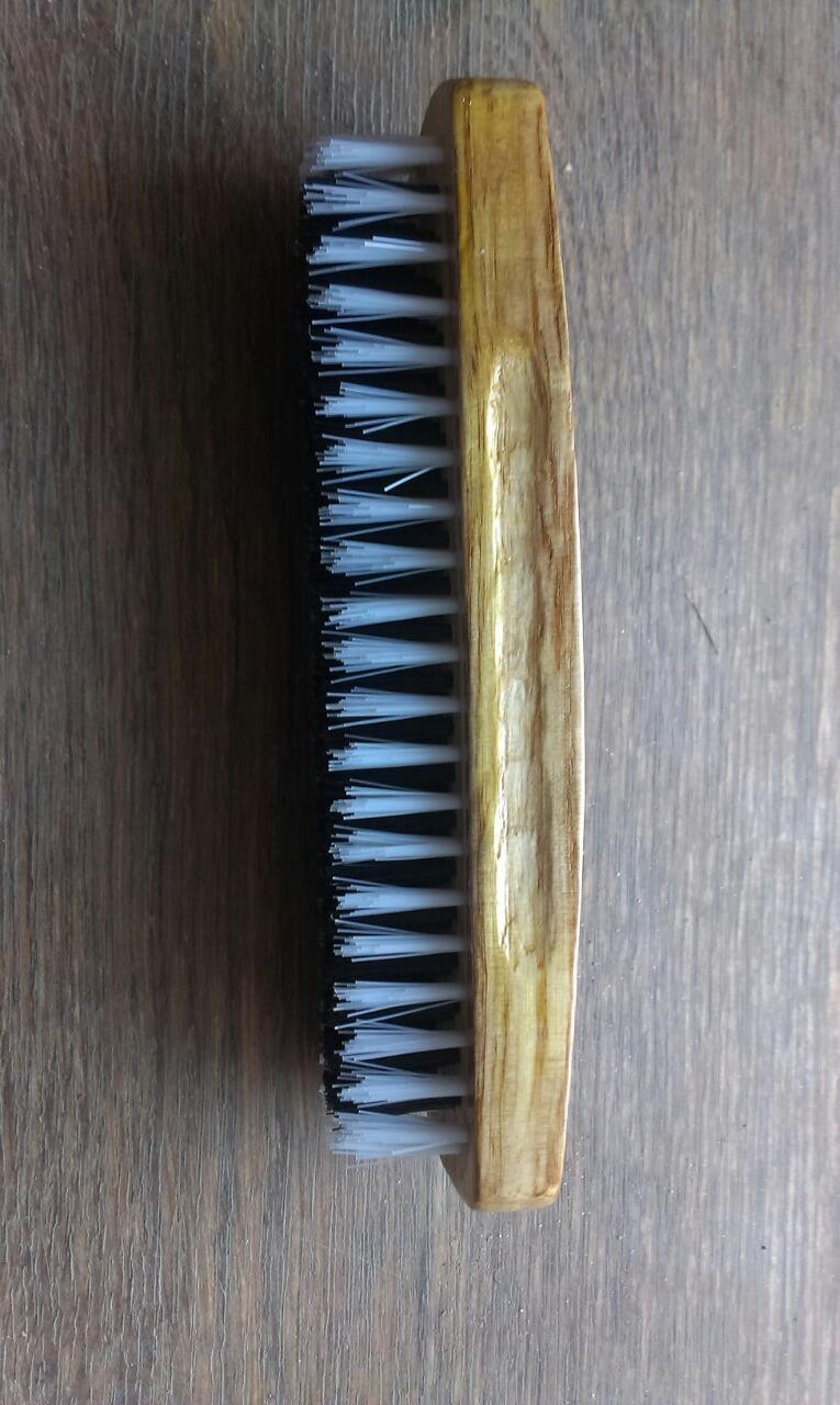 Щетка для обуви  деревяная ручка (170 мм), черный ворс с белой окантовкой(19 мм) W-8