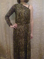 Длинное платье с открытым плечом