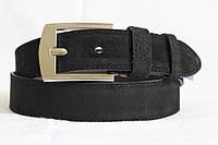 Замшевый ремень на джинсы и брюки 40 мм чёрный цвет хромовая  серебряная пряжка прошитый чёрной ниткой