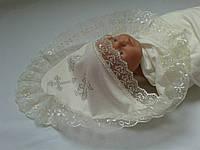 Красивая молочная крыжма с уголком для крещения малышей.