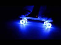 Скейтборд PennyBoard,Светящиеся колеса
