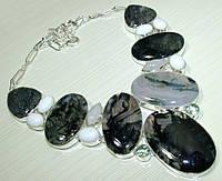 Колье, ожерелье из натуральных камней - МОХОВЫЙ (ДЕНДРИТОВЫЙ) АГАТ, ЛУННЫЙ КАМЕНЬ, БЕЛЫЙ (ФАРФОРОВЫЙ) ОПАЛ