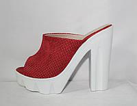 Летние кожаные красные сабо на высоком каблуке