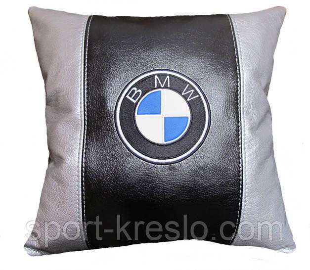 Автомобільна подушка з вишивкою bmv бмв