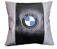 Автомобильная подушка с вышивкой bmv бмв