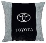 Подушка в авто сувенирная  с логотипом toyota тойота, фото 2
