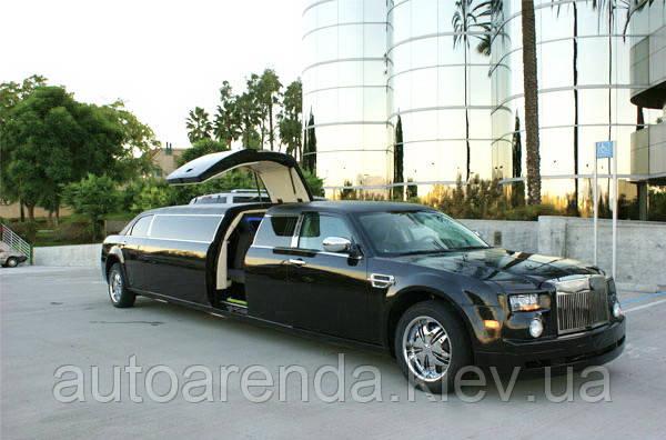 Лимузин Chrysler 300C Реплика Rolls Royce