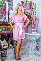 Нежно-розовое платье с белым поясом