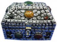 Ларец шкатулка с натуральными камнями