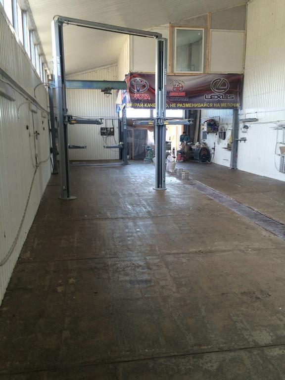 Упрочнение и обепыливание бетонного пола (Анкопласт Е-622)