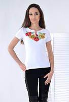 Традиционная вышитая футболка