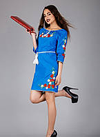 Женское голубое вышитое платье в украинском стиле
