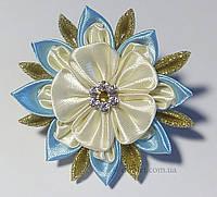 Резинка для волос молочный цветок Handmade By Kate kk8 голубой с молочным и золотым