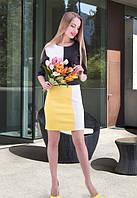 Женское платье с геометрический рисунком до колена