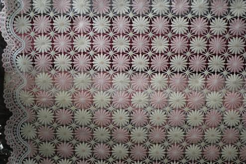 Клеенка на кухонный стол Ажур Маленькие нежно-розовые цветочки, фото 2