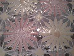 Клеенка на кухонный стол Ажур Маленькие нежно-розовые цветочки, фото 3