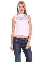 Красивая футболка без рукавов с гипюровой вставкой