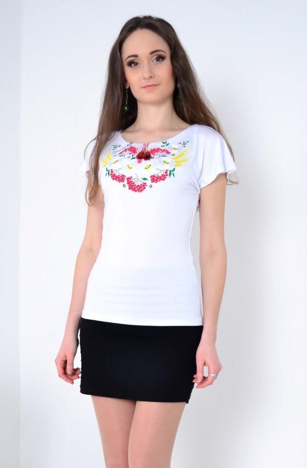 """Белая футболка -вышиванка - яркий выбор современных модниц - Оптово - розничный  магазин одежды  """"МОДНЫЙ РАЙ"""" в Хмельницком"""