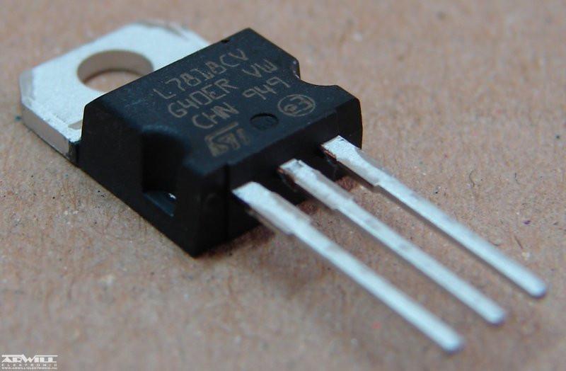 Стабилизатор напряжения L7812CV