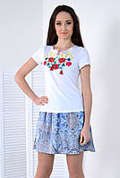 Молодежная футболка в небесно- голубые васильки и маки