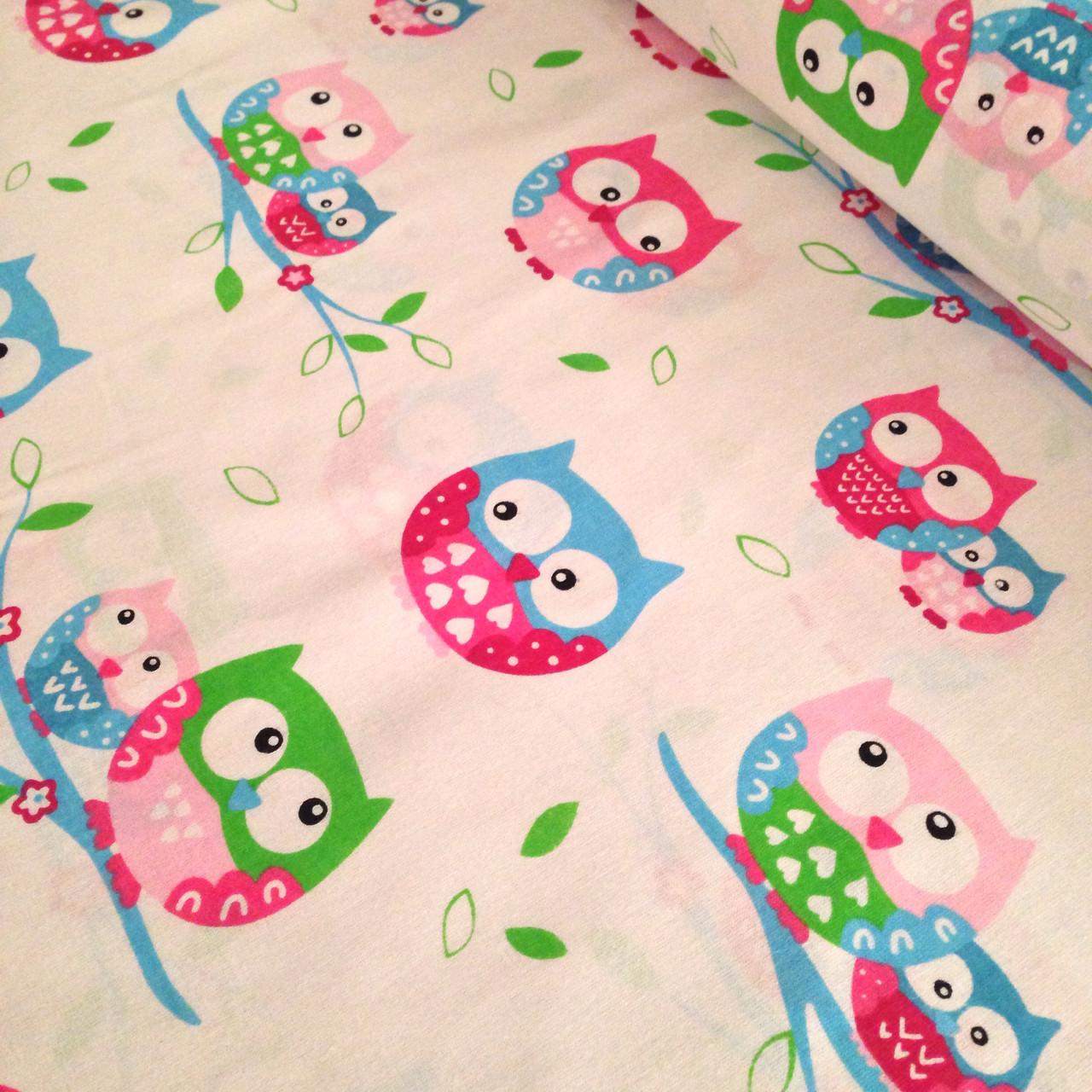 Хлопковая ткань совы цветные розово-голубые на белом № 303