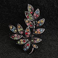 [33/45 мм] Брошь металл под капельное серебро Веточка с разноцветными камнями ярких цветов