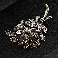 [22/35 мм] Брошь металл под капельное серебро Веточка оливы со стразами кристалл сатин
